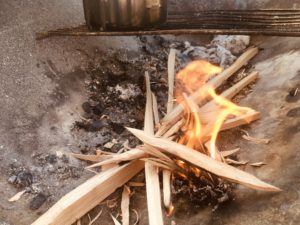 セリアのファイヤースターターで着火してみた!