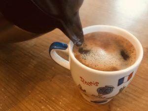 カフェインレスコーヒーをがぶ飲み