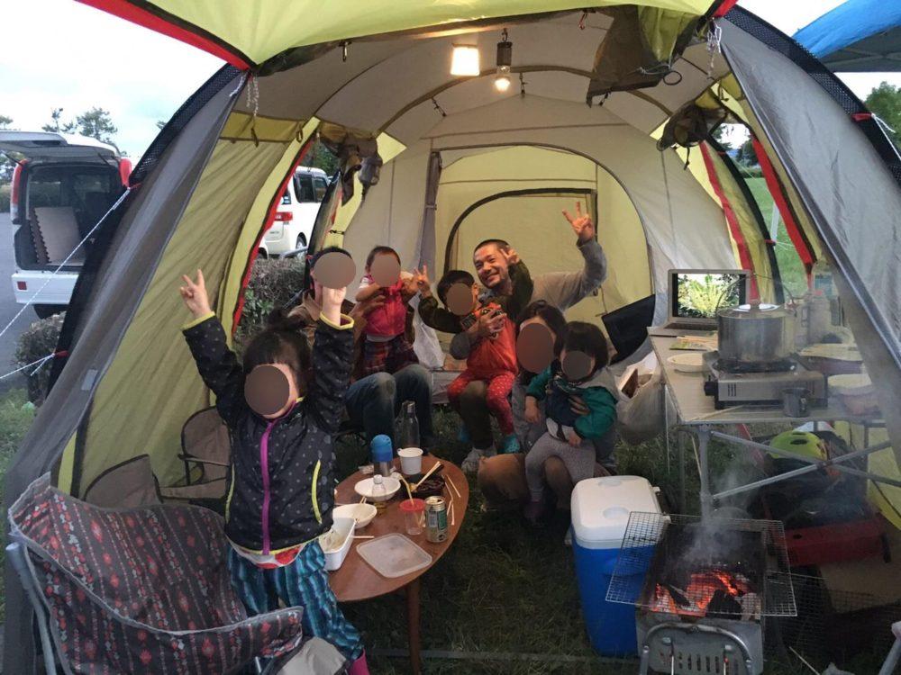 トンネル2ルームテント 2家族でパーティーも可能!