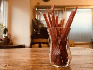 鮭とばスティックのブラックペッパー味